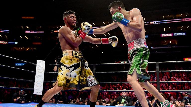 abner-mares-leo-santa-cruz-boxing_3922823.jpg
