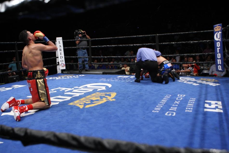 Benavides vs. Medina_05_20_2017_Fight_Edgar Ramos _ Premier Boxing Champions-2