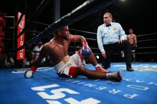 BA4V1373_06_11_2017_Fight_Nabeel Ahmad _ Premier Boxing Champions