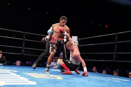 Booth vs Mercado_06_27_2017_Fight_Kenyon Sesoms _ Premier Boxing Champions2