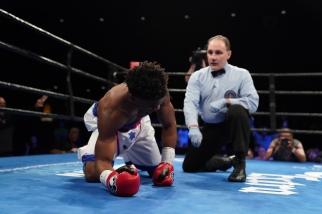 Cruz vs Martin_06_27_2017_Fight_Kenyon Sesoms _ Premier Boxing Champions1