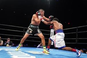 Cruz vs Martin_06_27_2017_Fight_Kenyon Sesoms _ Premier Boxing Champions3