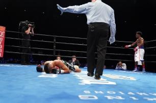 Cruz vs Martin_06_27_2017_Fight_Kenyon Sesoms _ Premier Boxing Champions5
