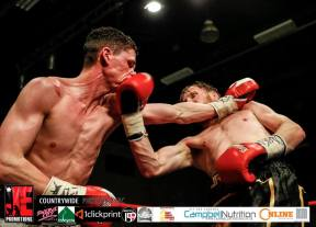Martin Hillman v Jamie Speight right uppercut