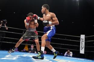Sparrow vs Florian_06_27_2017_Fight_Kenyon Sesoms _ Premier Boxing Champions1