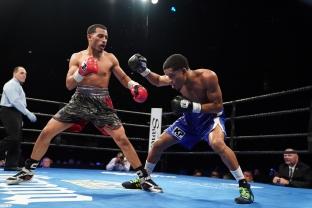 Sparrow vs Florian_06_27_2017_Fight_Kenyon Sesoms _ Premier Boxing Champions3