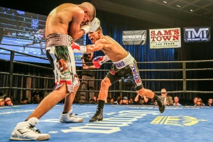 Payano vs Santiago_08_22_2017_Fight_Andy Samuelson _ Premier Boxing Champions12