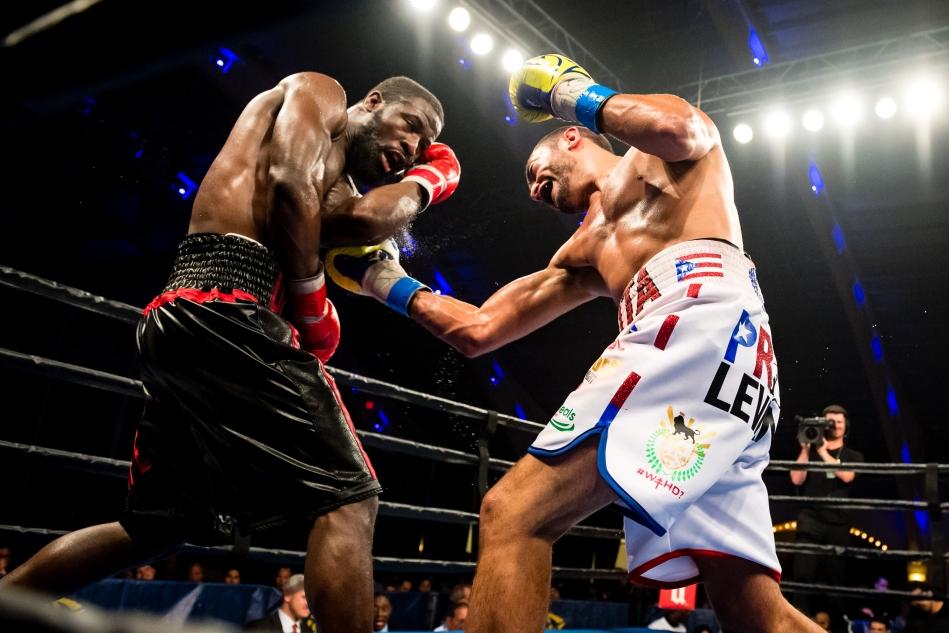 Cruz vs Grayton_11_21_2017_Fight_Douglas DeFelice _ Premier Boxing Champions