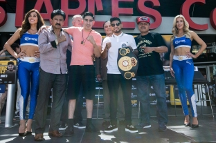 Santa Cruz vs Mares Press Conference Staples Center_27