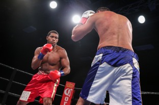 Hunter vs Kiladze_06_10_2018_Fight_Leo Wilson Jr. _ Premier Boxing Champions11