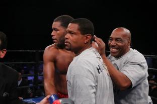 Hunter vs Kiladze_06_10_2018_Fight_Leo Wilson Jr. _ Premier Boxing Champions15