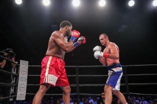 Hunter vs Kiladze_06_10_2018_Fight_Leo Wilson Jr. _ Premier Boxing Champions2