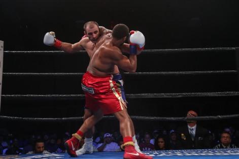 Hunter vs Kiladze_06_10_2018_Fight_Leo Wilson Jr. _ Premier Boxing Champions9