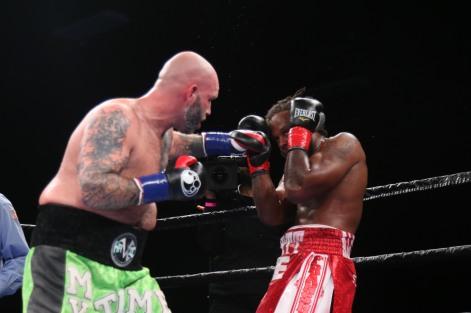 Kauffman vs Alexander_06_10_2018_Fight_Leo Wilson _ Premier Boxing Champions1
