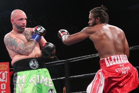 Kauffman vs Alexander_06_10_2018_Fight_Leo Wilson _ Premier Boxing Champions10