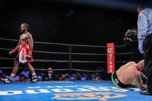 Kauffman vs Alexander_06_10_2018_Fight_Leo WIlson _ Premier Boxing Champions2