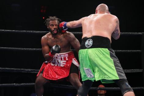Kauffman vs Alexander_06_10_2018_Fight_Leo WIlson _ Premier Boxing Champions4
