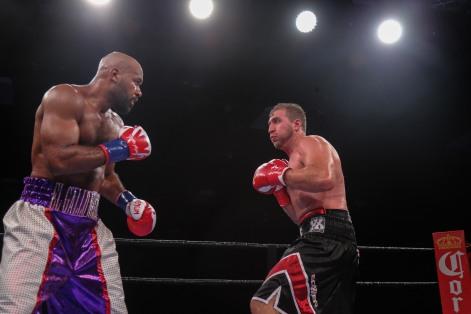 Washington vs Nofire_06_10_2018_Fight_Leo Wilson _ Premier Boxing Champions2